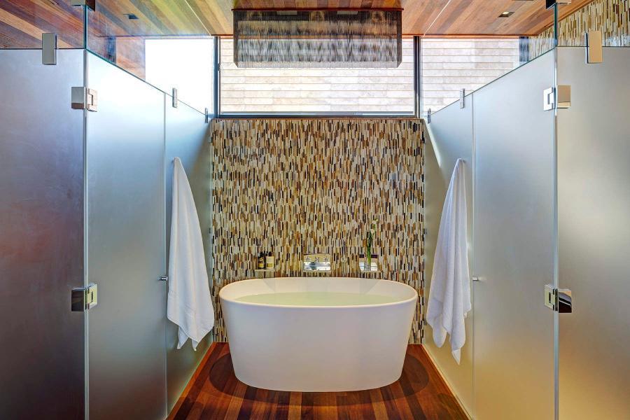 modern, Hamptons, upscale, pool, fireplace, wood, light, patio, bedroom, bathroom,